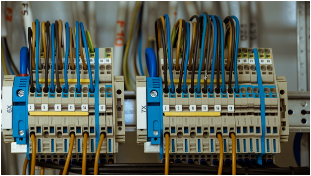 5 Reasons Why Hiring An Electrician Is Better Than DIY