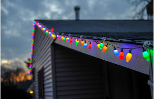 Ideas to Light up Your Outdoors This Christmas