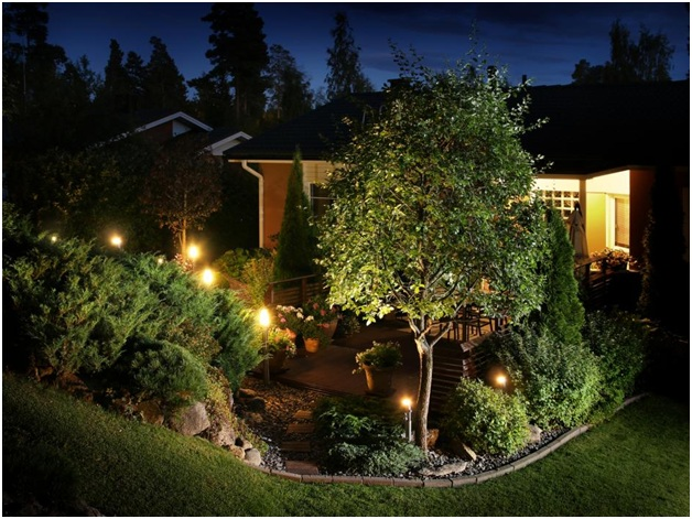 Boost your Curb Appeal with Outdoor Lighting