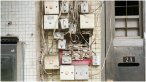 Multiple connections linked to the main circuit board