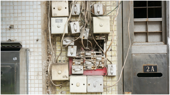 15 Ways to Handle an Electrical Emergency
