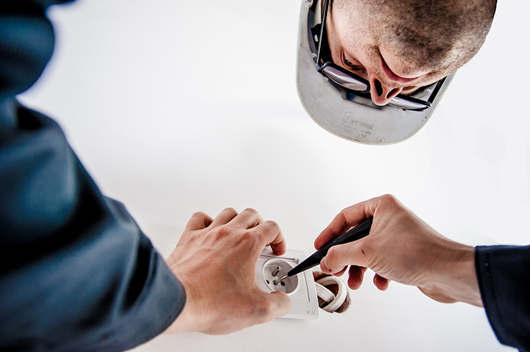Qualities of a Reliable Electrician